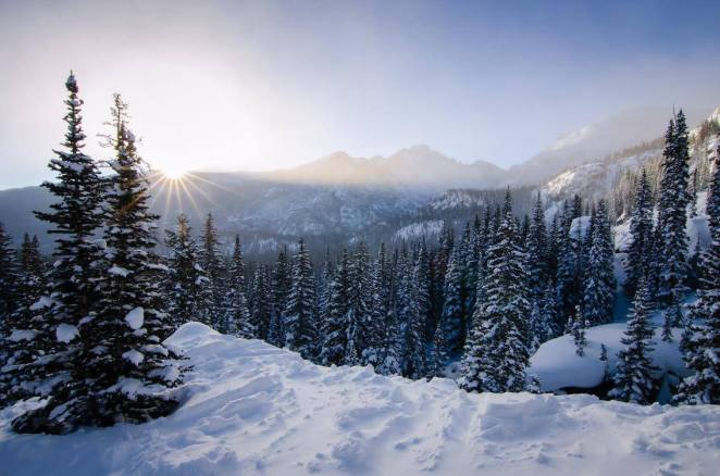 rocky-mountain-national-park-in-winter